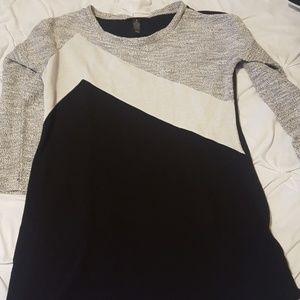 Women's style & Company sweater size medium